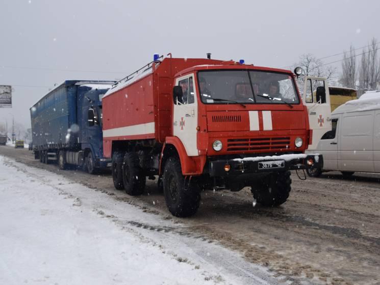 На Миколаївщині в кучугурах застрягли вісім автівок (ФОТО)