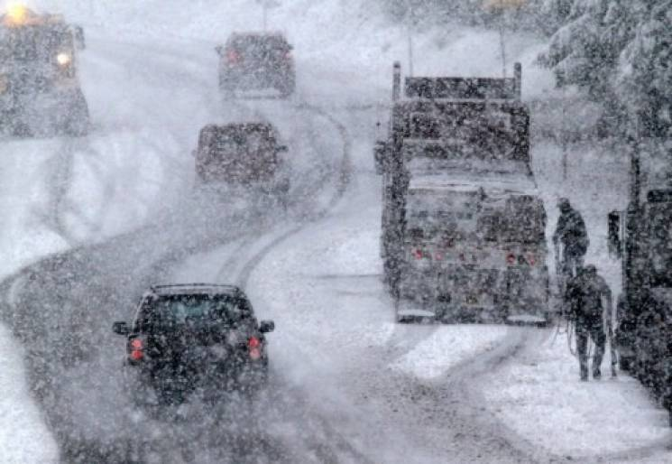 На дороги Тернопільщини вивели спецтехні…
