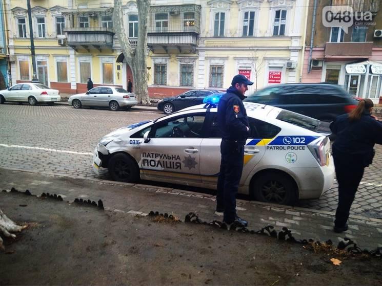 В Одесі поліцейська Toyota потрапила в аварію