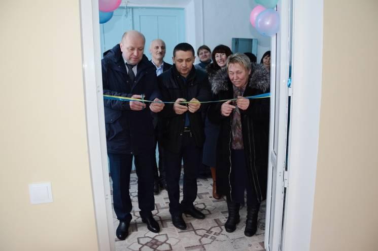 Вінницькі чиновники провели помпезну церемонію відкриття шкільного клозету (ФОТО)