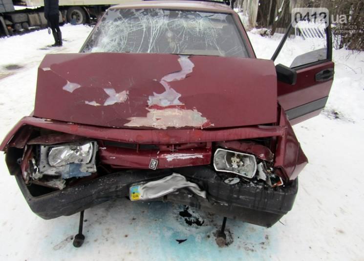 В автокатастрофі на Житомирщині загинув водій і постраждали троє дітей