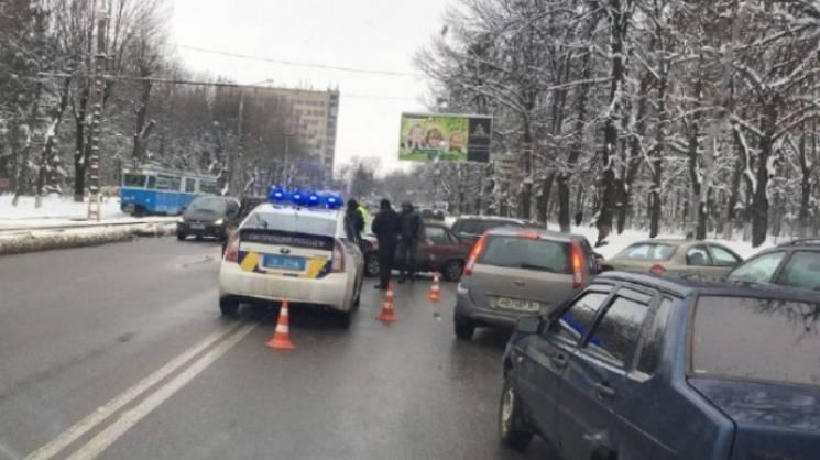 У Вінниці на Хмельницькому шосе не розминулися легковики