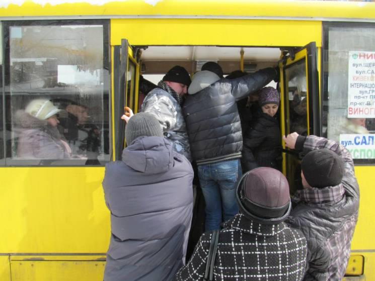 """Харків'янин поскаржився Кернесу на """"гумові"""" маршрутки"""