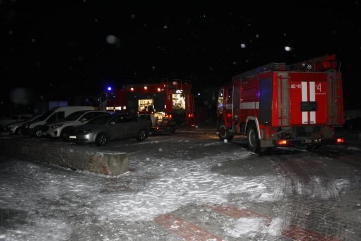У Запоріжжі 25 рятувальників гасили пожежу в приватному будинку (ФОТО)