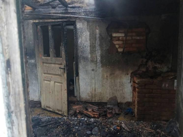 На Запоріжжі вщент згорів приватний будинок (ФОТО)