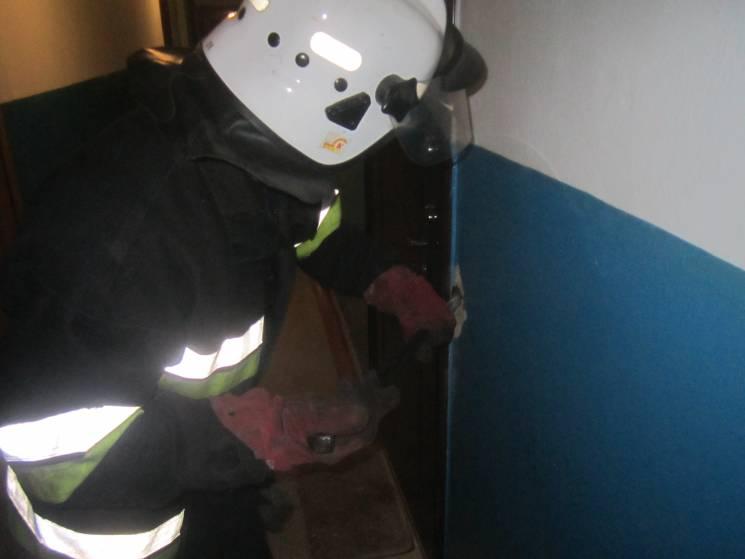 З полону зачиненої квартири у Кам'янці визволяли маля