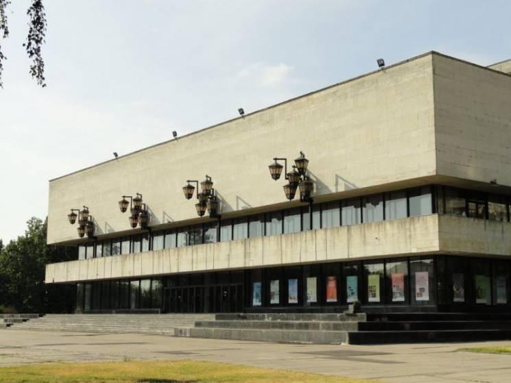 """У Сумському обласному театрі відкрили """"ділові"""" гримерки (ФОТО)"""