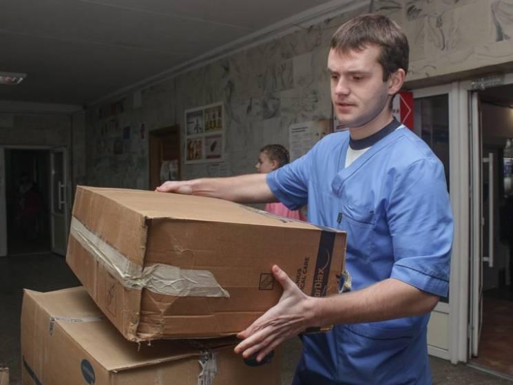 Дитяча лікарня у Дніпрі отримала партію гуманітарки з Франції (ФОТО)