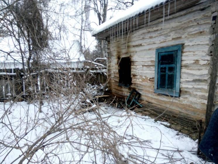 Чернігівці загасили пожежу в хаті односельця, але господаря врятувати не змогли