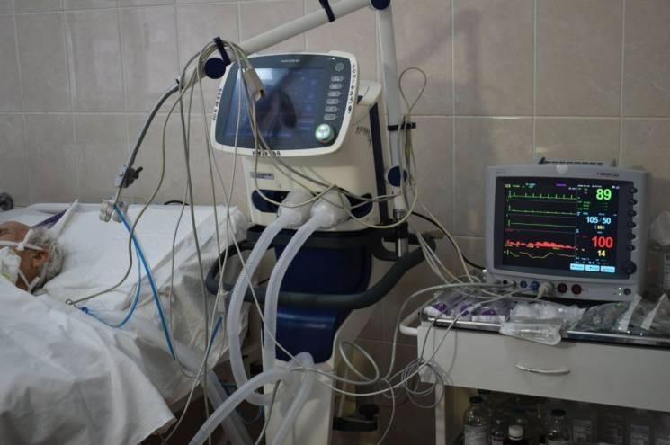 Врятовані поранені подарували лікарні у Дніпрі реанімаційне обладнання