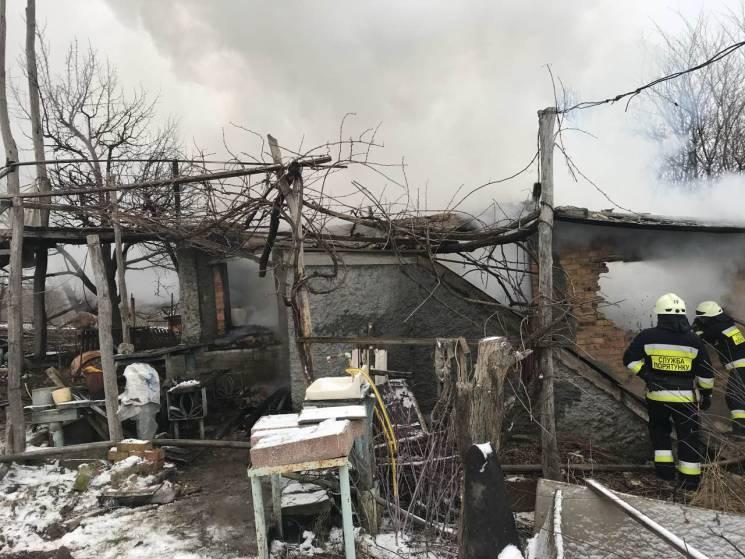 У Дніпрі у власній домівці згоріла літня жінка (ФОТО)