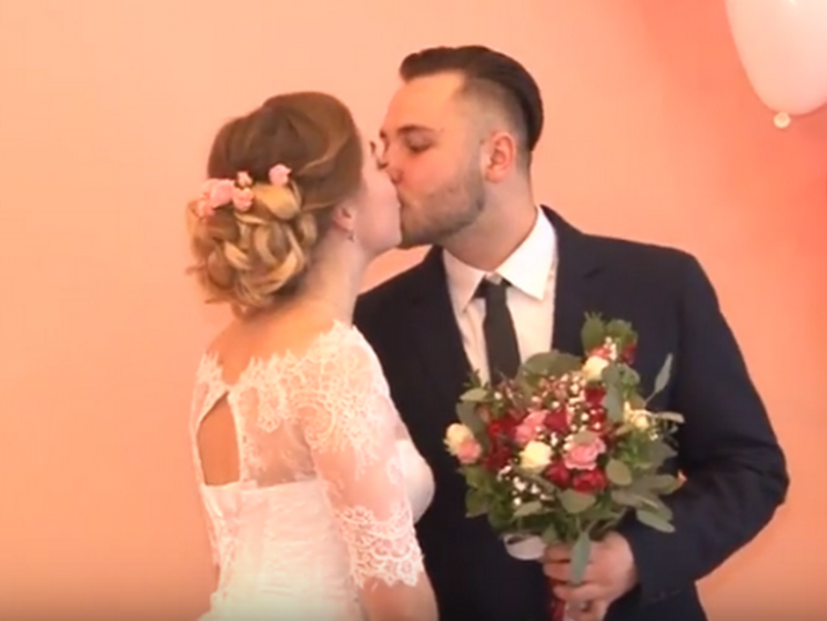"""У Полтаві на День закоханих вісім пар стали учасниками проекту """"Шлюб за добу"""""""
