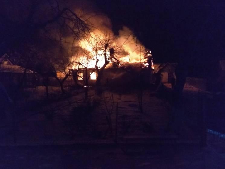 На Славутчині ледь не згорів будинок