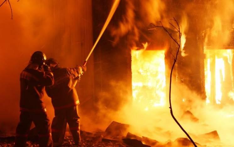 Протягом доби на Закарпатті горіли будинки, цех та сміття