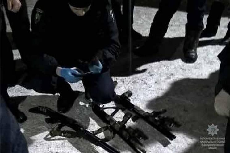 На Дніпропетровщині озброєні чоловіки захопили заручників на підприємстві (ФОТО)