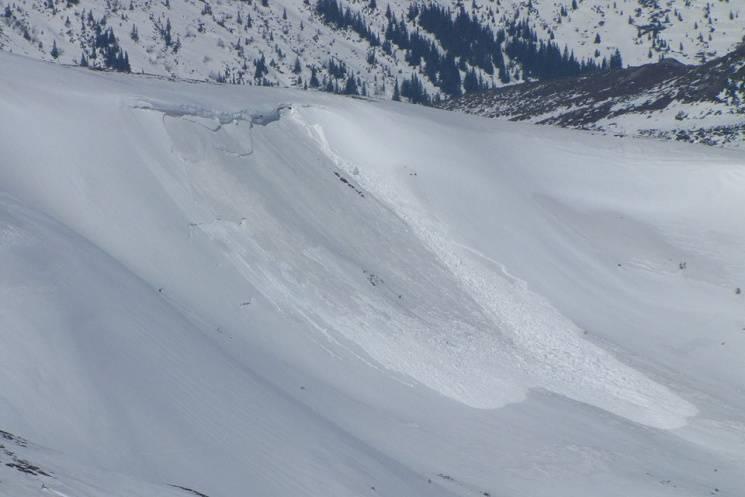 У горах Закарпаття втримується другий рівень лавинної небезпеки