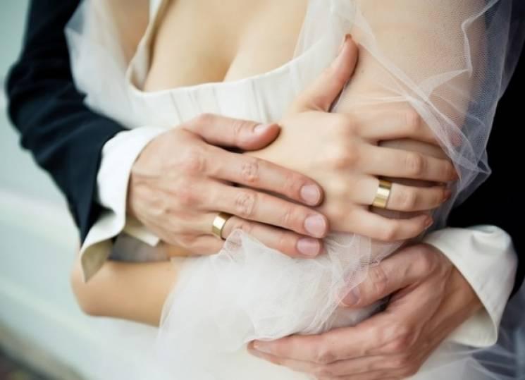 У День Валентина в Ужгороді одружились 48 пар