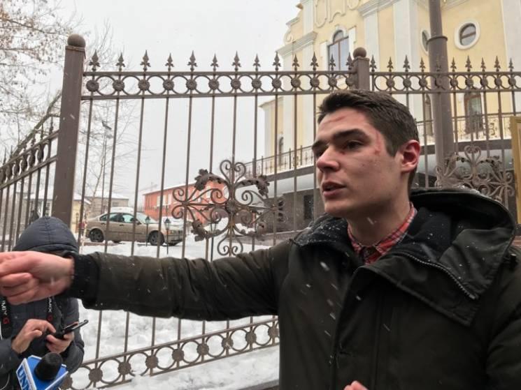 Одеського активіста Устименка побили у суді після оголошення ухвали Труханову (ВІДЕО)