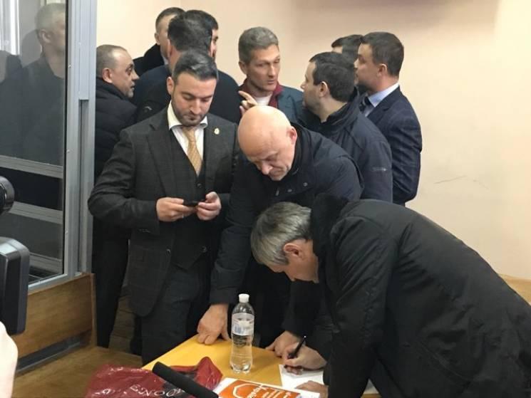 Суд над Трухановим: Чому ця вистава вигідна всім