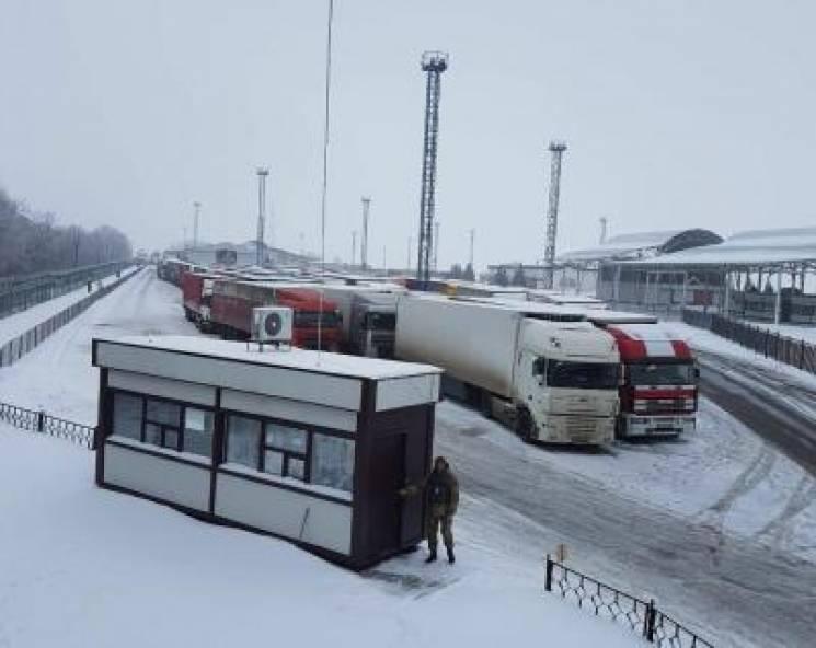 Росія почала пропускати вантажівки із України, - ДПСУ