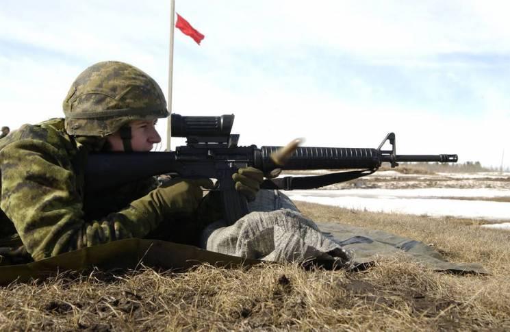 """""""Кольти"""" з Канади: Який замінник """"Калашникова"""" отримає Україна"""