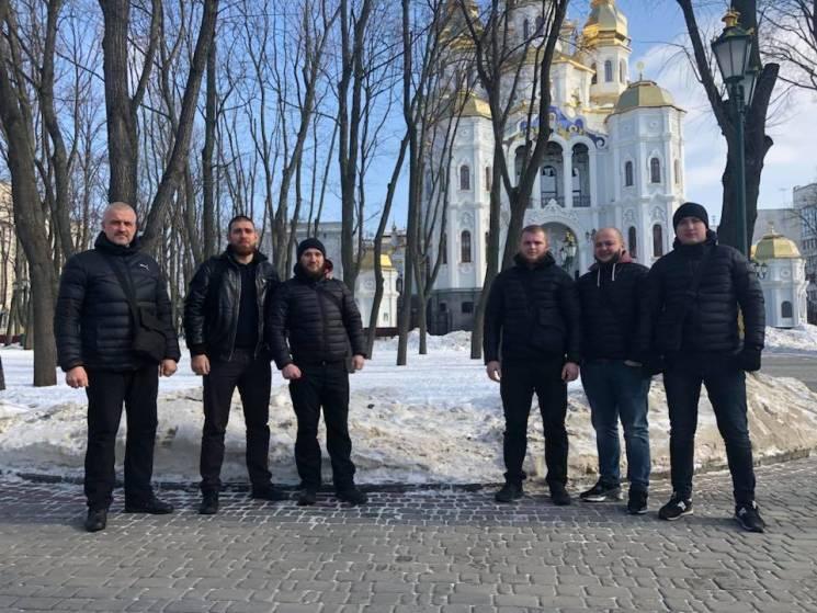 ВХарькове активисты демонтировали знаменитый знак атаману Сирко