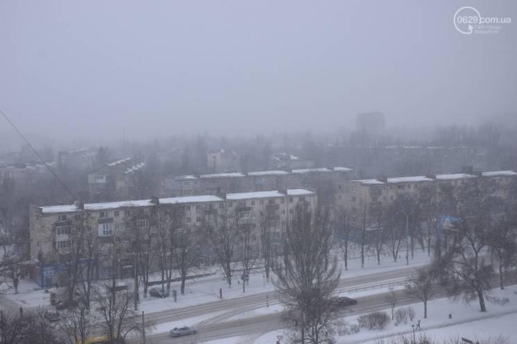 Маріуполь потерпає від сильного снігопаду (ФОТО)
