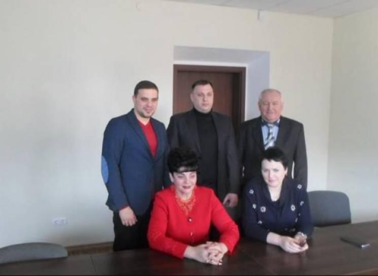 """На Дніпропетровщині ще одна фракція міського """"Опоблоку"""" зменшилася удвічі"""
