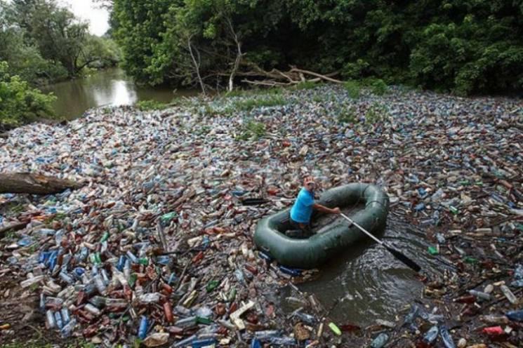 Закарпаття непривабливе: Річки та гори області погрузли у відходах (ВІДЕО)