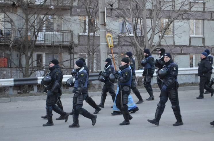 Хресна хода під посиленою охороною: Як Запорізька єпархія УПЦ МП гнаних із себе вдавала