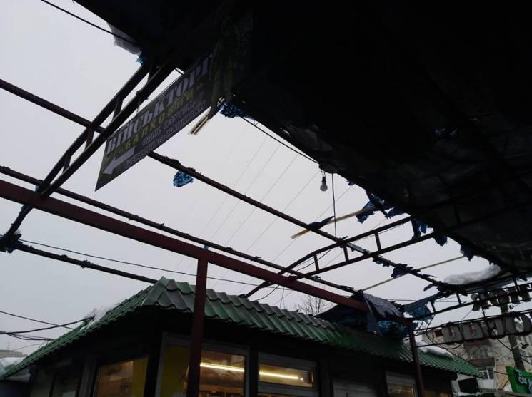 У Полтаві від снігу обвалився дах ринку…