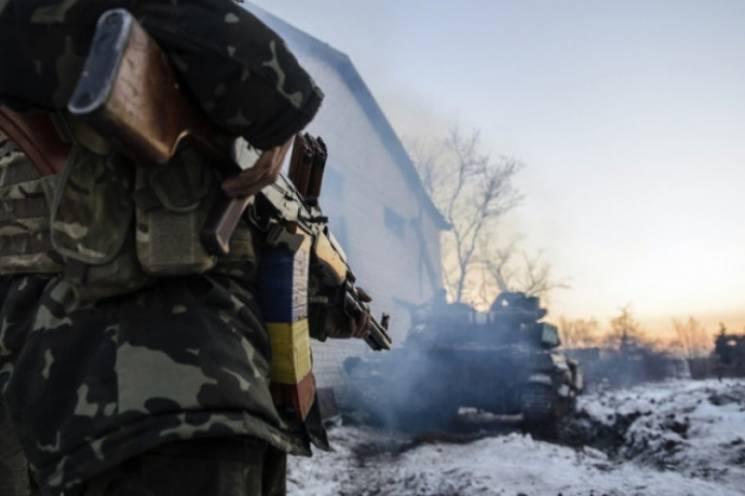 На Луганщині обстрілом бойовиків знову пошкоджено приватний будинок