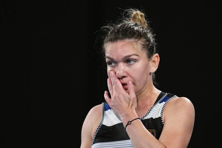 Зіркова тенісистка, яка втратила звання першої ракетки, сенсаційно змінила тренера (ФОТО)