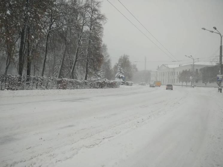 """Сніг на голову: Як влада Полтави """"засипалася"""" під зимовими проблемами міста"""