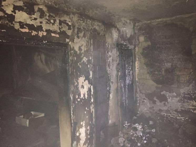 У Хусті, спробувавши загасити пожежу у с…