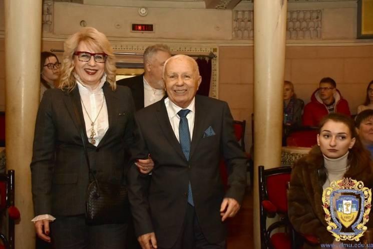Зірковий ювілей: Науковцю з Тернополя на 90-річчя подарували власну зірку