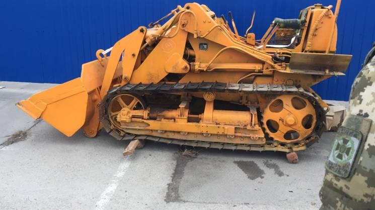 Викрадений у Греції трактор виявили у порту Одеси