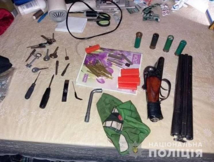 Поліція Сумщини затримала чоловіка, якого розшукували на Чернігівщині за розбійний напад
