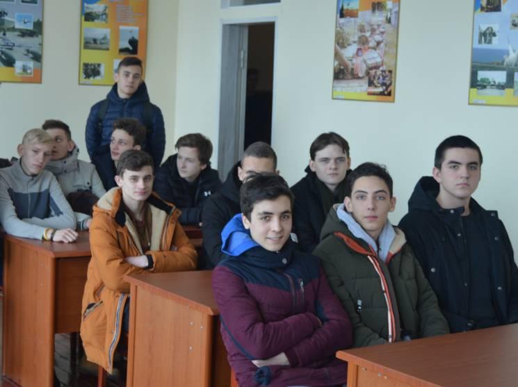 НаТернопільщині триває приписка юнаків допризовних дільниць
