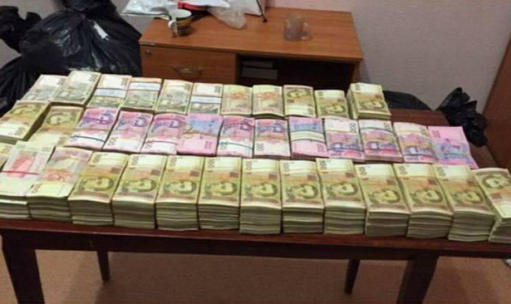 У Миколаєві викрили групу, що уникала податків та займалася масовим збутом (ВІДЕО)