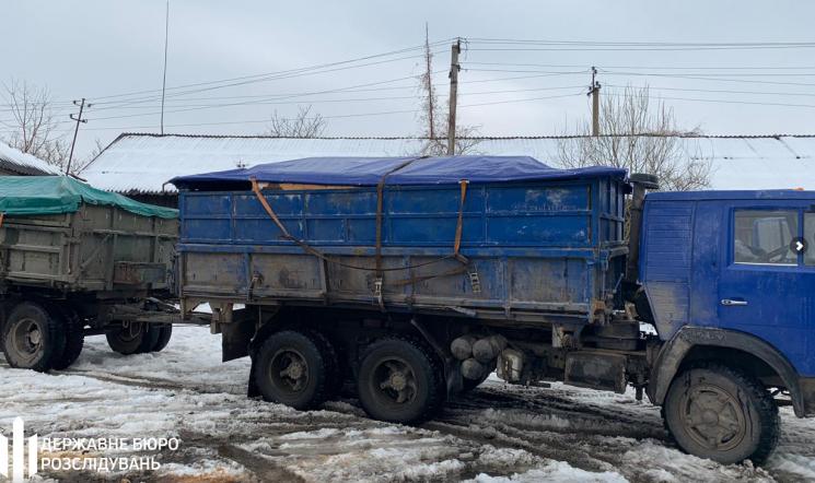 Слідчі Хмельницького держбюро розслідування затримали лісівника-хабарника з Буковини