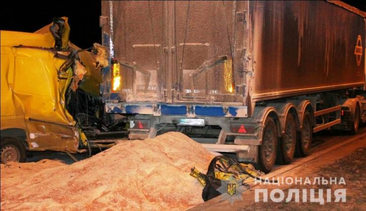 З'явилися фото і відео з місця сьогоднішньої аварії у Вінниці (ФОТО, ВІДЕО)