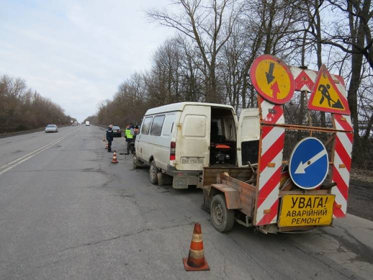 На Хмельниччині щодня ліквідовують на дорогах по 400 кв. м деформацій (ФОТО)