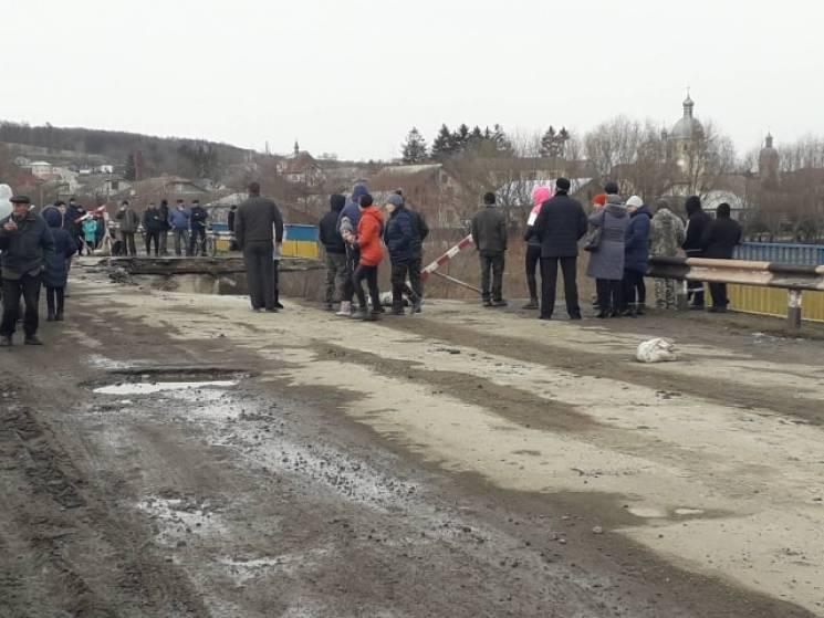 На Тернопольщине обвалился мост (ФОТО)…