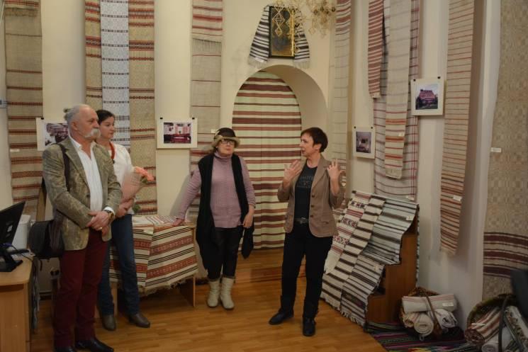 У Вінниці відкрилася виставка давніх рушників і скатертин (ФОТО)