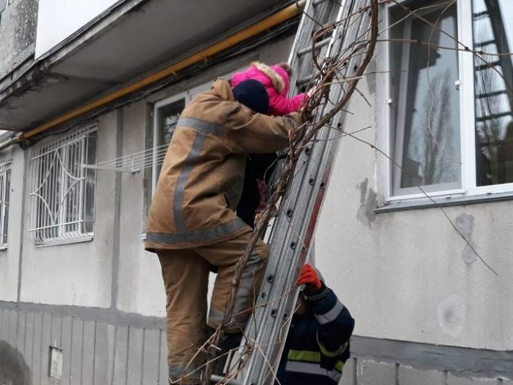 На Полтавщині під час пожежі у багатопов…