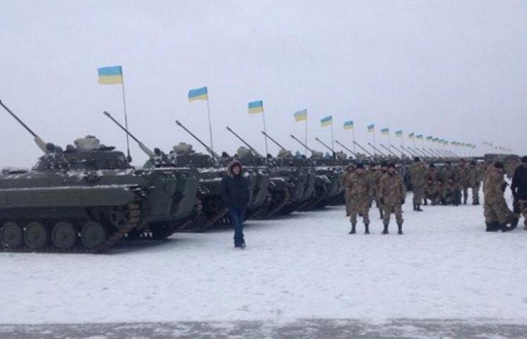 «Боеспособность восстановлена»: Порошенко передал армии новое оружие