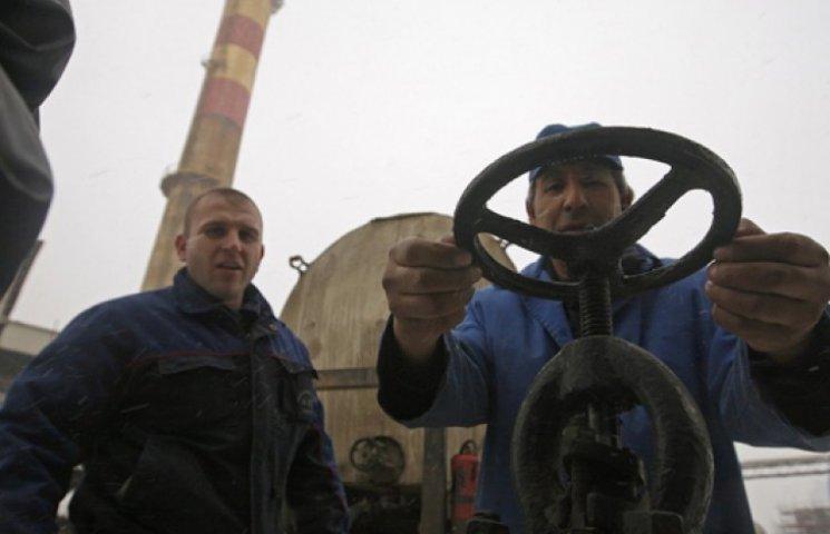 Україна майже вполовину зменшила споживання російського газу
