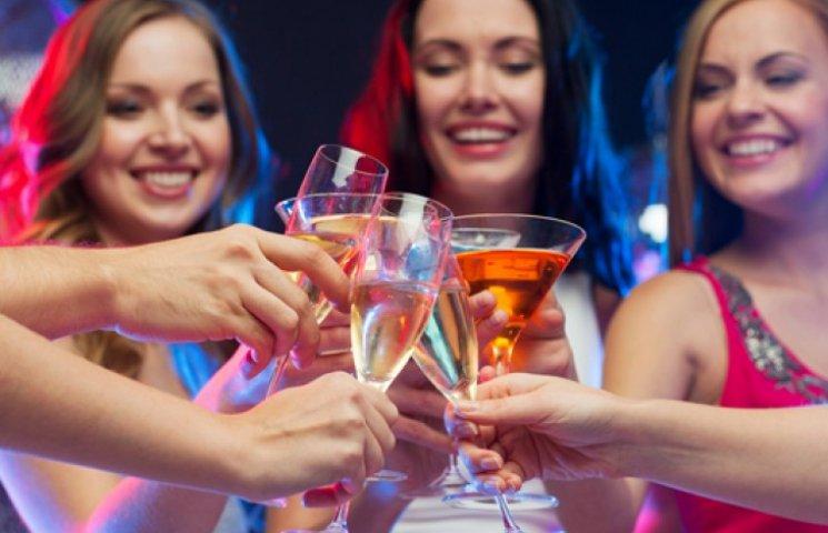 После соревнований собрались с девочками выпить