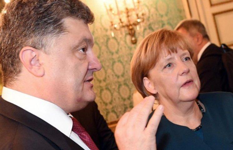 Порошенко розповів Меркель про постачання російської зброї на Донбас